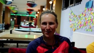 Alman hemşire bisikletiyle dünya turunda - SİVAS