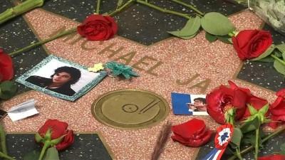 belgesel - Ölüm yıl dönümünde Michael Jackson'ın sevenlerinden çocuk istismarı iddialarına tepki