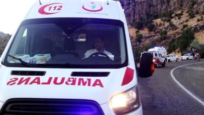 İşçileri taşıyan minibüs devrildi: 21 yaralı (3) - DİYARBAKIR