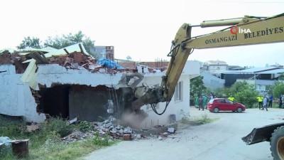 yuksek gerilim hatti -  Yüksek gerilim hattı altındaki kaçak binalar yıkıldı