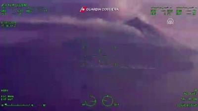 orman mudurlugu - İtalya'daki Stromboli Yanardağı'nın patlaması - Yanardağı havadan görüntülendi - SİCİLYA