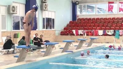 altin madalya - Rehabilitasyon için başladığı paletli yüzmede zirveye çıktı - İSTANBUL