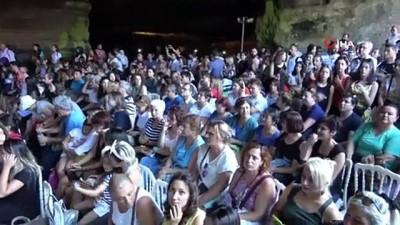 ispanya -  Mağarada müzik ziyafeti