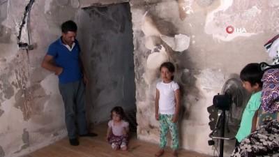 Evi yanınca mağdur olan aile yardım bekliyor