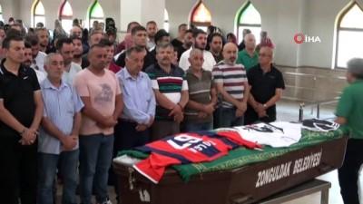 Fanatik Beşiktaş taraftarı kansere yenik düştü