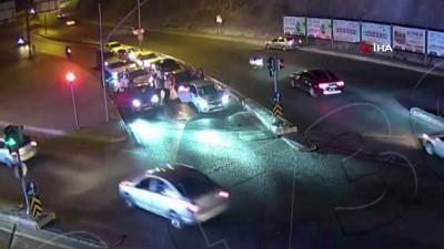 polis kamerasi -  Kırmızı ışıkta çifte telli oynayan sürücülere şok ceza