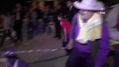 katar -  Öküz ve eşek kılığına giren köylüler düğünlere renk katıyor