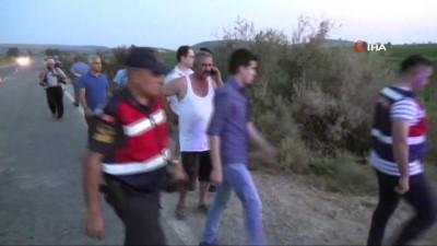 yasli adam -  Su dolu kanala düşen araçta, kocasının cesediyle birlikte 25 saat kurtarılmayı bekledi