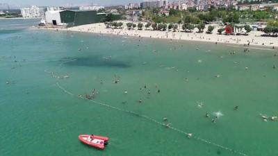 Bayramda İstanbullular Menekşe Plajı'na akın etti...Yoğunluk havadan görüntülendi