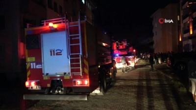 naat -  Yangın çıkan evde yaralanan genci komşuları kurtardı