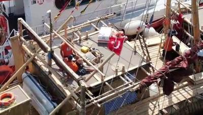 Kamıştan gemi İstanbul'da havadan görüntülendi