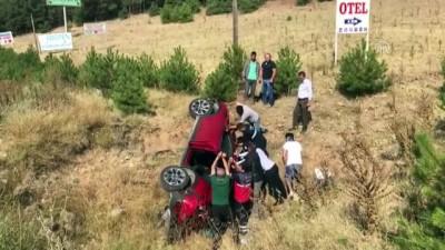 Uşak'ta otomobil şarampole devrildi: 1'i ağır 2 yaralı