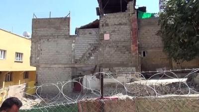 Yıkımda evi zarar gören aileden HDP'li belediyeye tepki - SİİRT