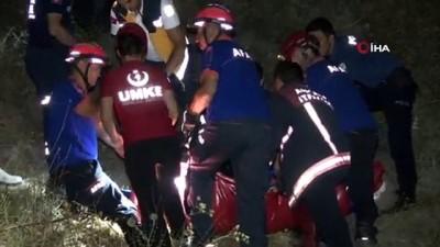 kurtarma operasyonu -  Başkent'te 50 metreden dereye düşen engelli şahıs iki saatlik çalışmayla kurtarıldı