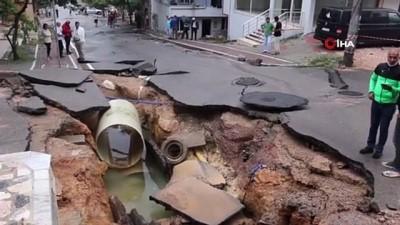 İçme suyu ana boru hattı patladı, mahalle sular altında kaldı