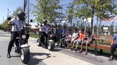 elektrikli bisiklet - Millet Bahçesi'nin scooterli güvenlik görevlileri - GAZİANTEP