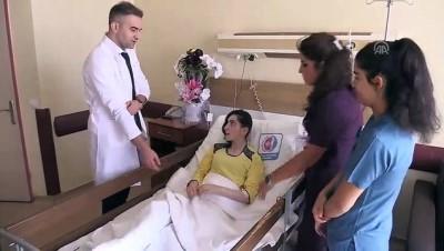 universite ogrencisi - Beyin kanaması geçiren genç kız, 9 saat süren ameliyatla sağlığına kavuştu - ERZİNCAN