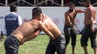 yagli gures -  Malazgirt etkinliklerinde güreş müsabakalarına ilgi