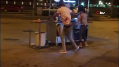 Sokak ortasındaki tartışma kanlı bitti... Defalarca bıçaklayıp, darp edip kaçtılar Video