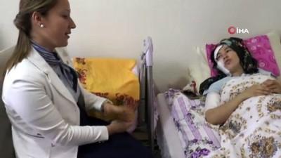 muhabbet -  AK Parti Gaziantep milletvekili Bakbak'tan eşi tarafından doğum sonrası bıçaklanan anneye ziyaret