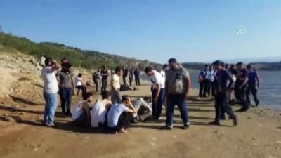 sudan - Balık tutarken baraj gölüne düşen çocuk öldü - BURSA