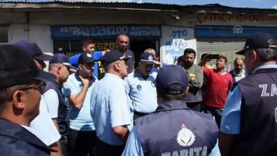 İş yerleri mühürlenmek istenen esnaftan belediyeye tepki - KARS