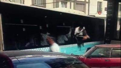halk otobusu -  Gaziosmanpaşa'da halk otobüsü kazasında yeni görüntüler ortaya çıktı