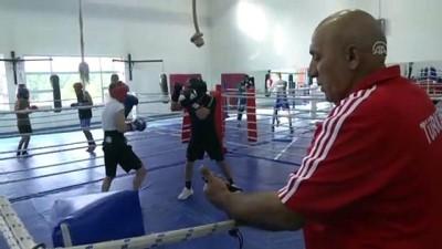 Genç milli boksörler madalyaya odaklandı - KASTAMONU