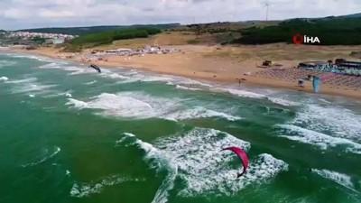 kabil -  Miami sahilleri değil İstanbul... Kilyos sahillerinde uçurtma sörfü yapan sporcular havadan görüntülendi