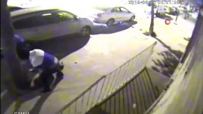 ceyrek altin -  Esenyurt'ta polislerin dikkati gasp zanlılarını yakalattı