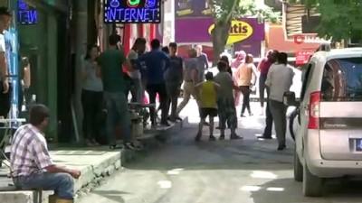 sparta -  Depremde panikleyen kadın çocuğunu kucağına alıp böyle kaçtı