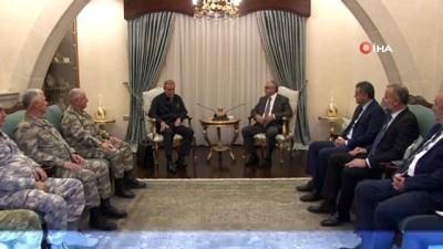"""dayatma -  - Milli Savunma Bakanı Akar: """"Kıbrıs bizim için çok önemli, hayati bir konu"""" - Milli Savunma Bakanı Akar KKTC Cumhurbaşkanı Akıncı ile görüştü"""