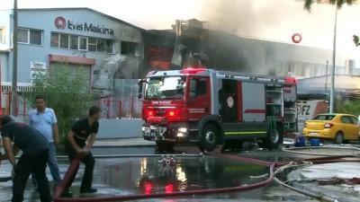 İzmir'de madeni yağ deposunda çıkan yangın güçlükle kontrol altına alındı...Yangın havadan görüntülendi