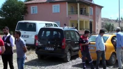 bicakli kavga - Ankara'da bağ evinde bıçaklı kavga: 1 ölü
