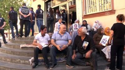 milletvekili - Diyarbakır annelerinin oturma eylemine destek ziyaretleri (2)