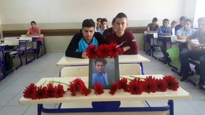 Ölen arkadaşlarının sırasını çiçekle donattılar - BURSA
