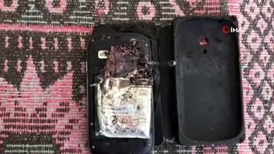 Cebinde patlayan cep telefonu bacağını parçaladı