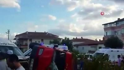 Ögrenci servisi ile işçileri taşıyan minibüs çarpıştı: 5 yaralı