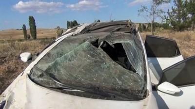 Otomobil devrildi: 2 yaralı - KONYA