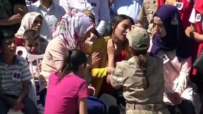 Diyarbakır'daki terör saldırısının sivil şehitleri son yolculuklarına uğurlanıyor - BATMAN