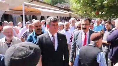 Sivas'ta cami cemaatinden Feyzioğlu'na yoğun ilgi