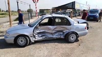 İki otomobil çarpıştı: 1'i ağır 2 yaralı - ŞANLIURFA