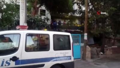 İzmir'de eski koca dehşeti... Boşandığı eşinin sevgilisini bıçakladı