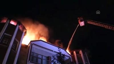 Kastamonu'daki yangında 3 katlı konak zarar gördü - KASTAMONU