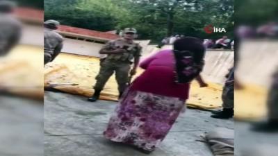 Samsun'da icra memuruna saldırı kamerada