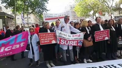 - Paris'te emeklilik reformuna karşı yürüyüş