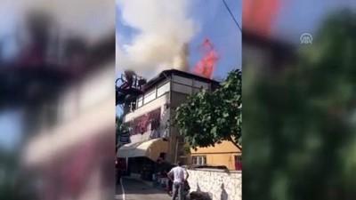 Tenekede tavuk pişirirken evi yakıyordu - DENİZLİ