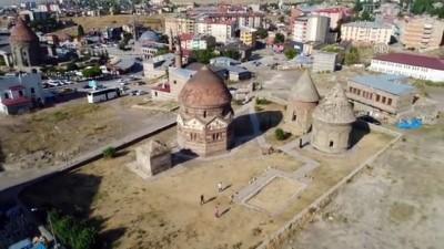 Türk tarihinin paha biçilmez hazineleri: Kümbet ve türbeler - ERZURUM