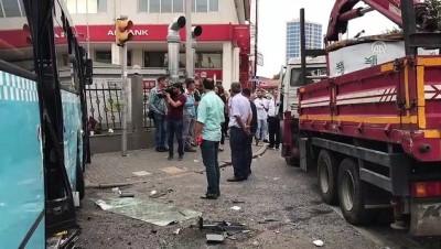 halk otobusu - Ümraniye'de trafik kazası - İSTANBUL