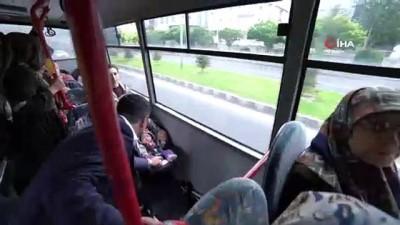 Belediye başkanı makamına halk otobüsü ile gitti